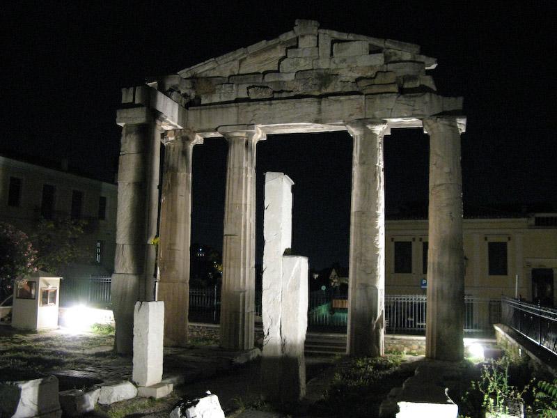 Mais Ruinas de Plaka a noite