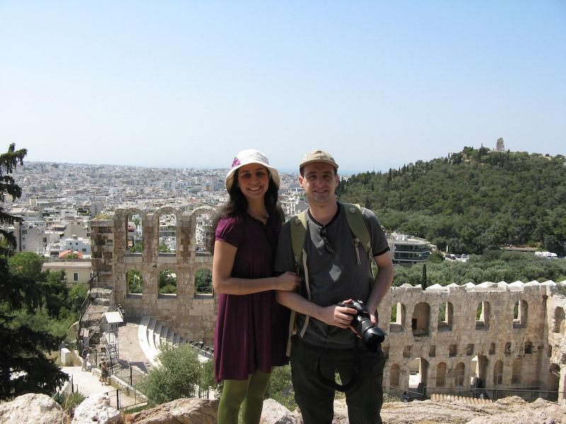 Mais uma foto para album de família (novamente no Odeon de Herodes Attico)